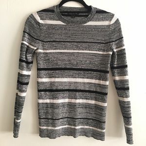 Banana Republic black and white sweater top size S